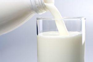 Чеснок повышает или понижает давление: рецепт с молоком, народное средство
